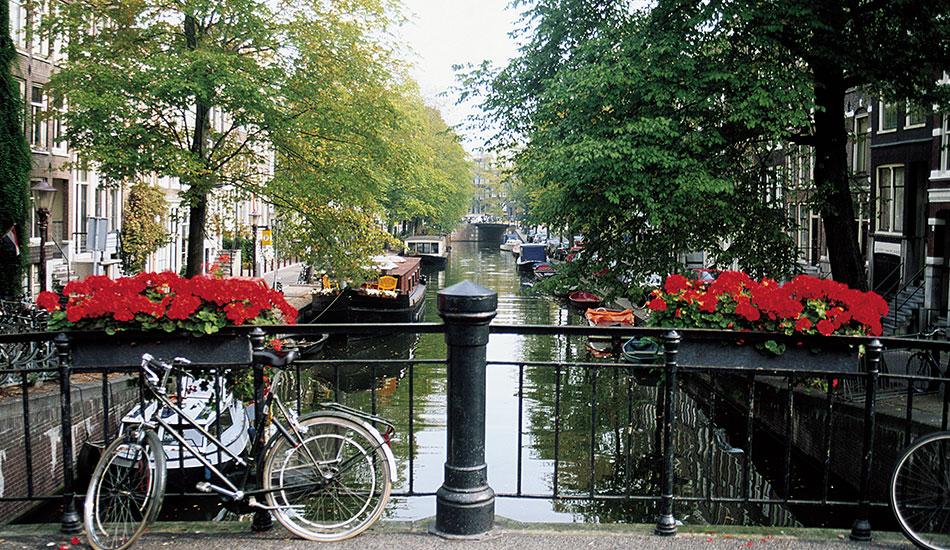AmsterdamVikingRiverKanooTravel