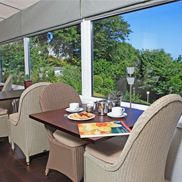 Torquay 1 night break incl cream tea, bucks fizz & dinner £46pp