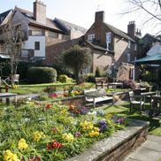 Stratford Upon Avon incl upgrade, champagne and dinner 53pp