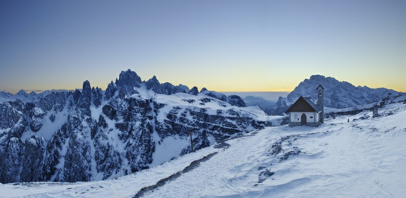 Peak Experience - Luxury Skiing in the Dolomites
