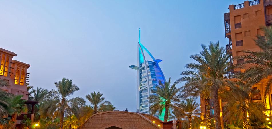 burj_al_arab_kanoo_jpeg